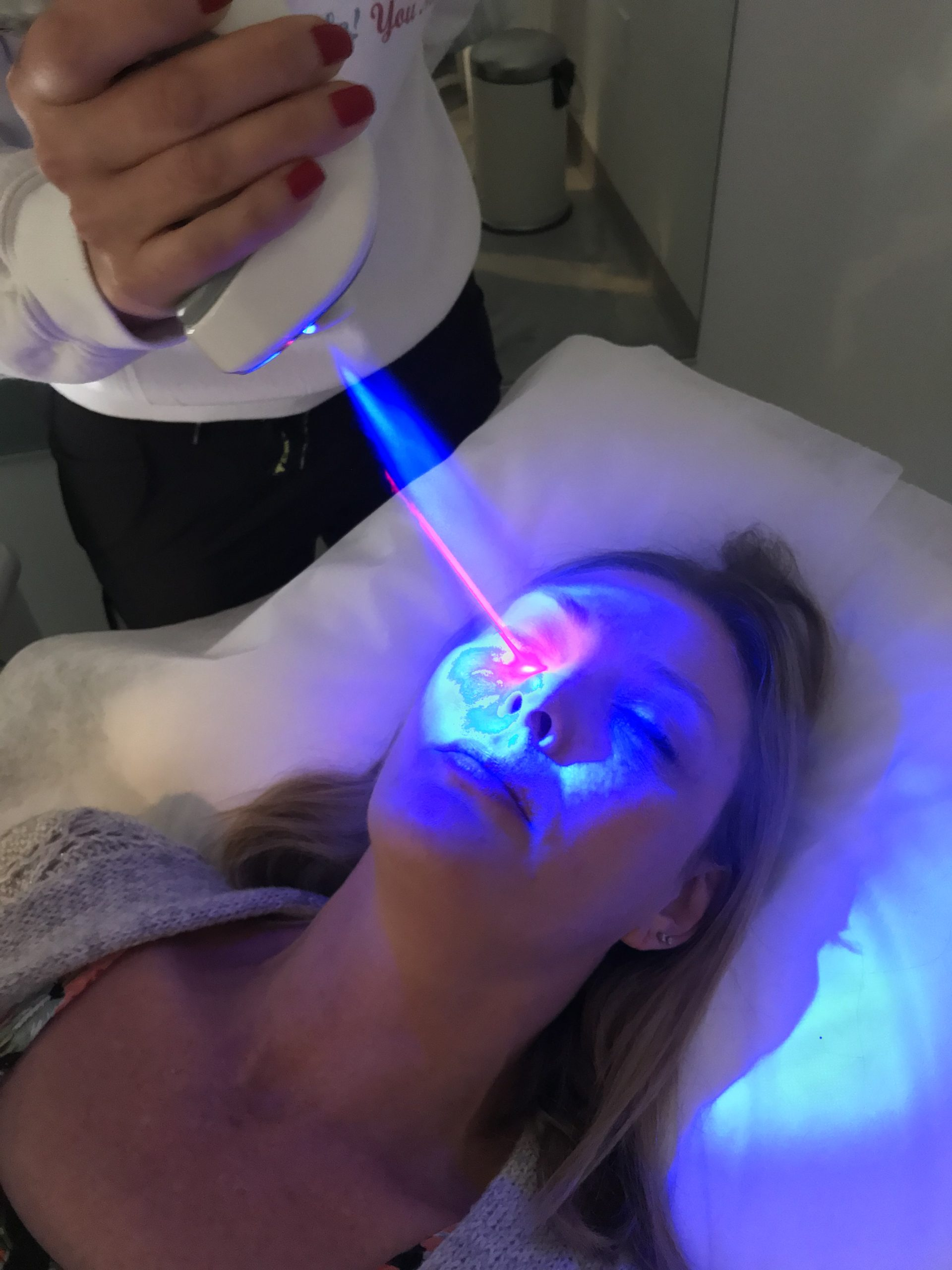 It's absolutely amazing to experience the services of Core Elite Wellness Fit Cryo! How else can a Brand Ambassador represent?? I thoroughly enjoyed the Cryo Penguin Glow Facial! Look out wrinkles, puffiness, and inflammation! So many wonderful benefits, be sure to check it out!