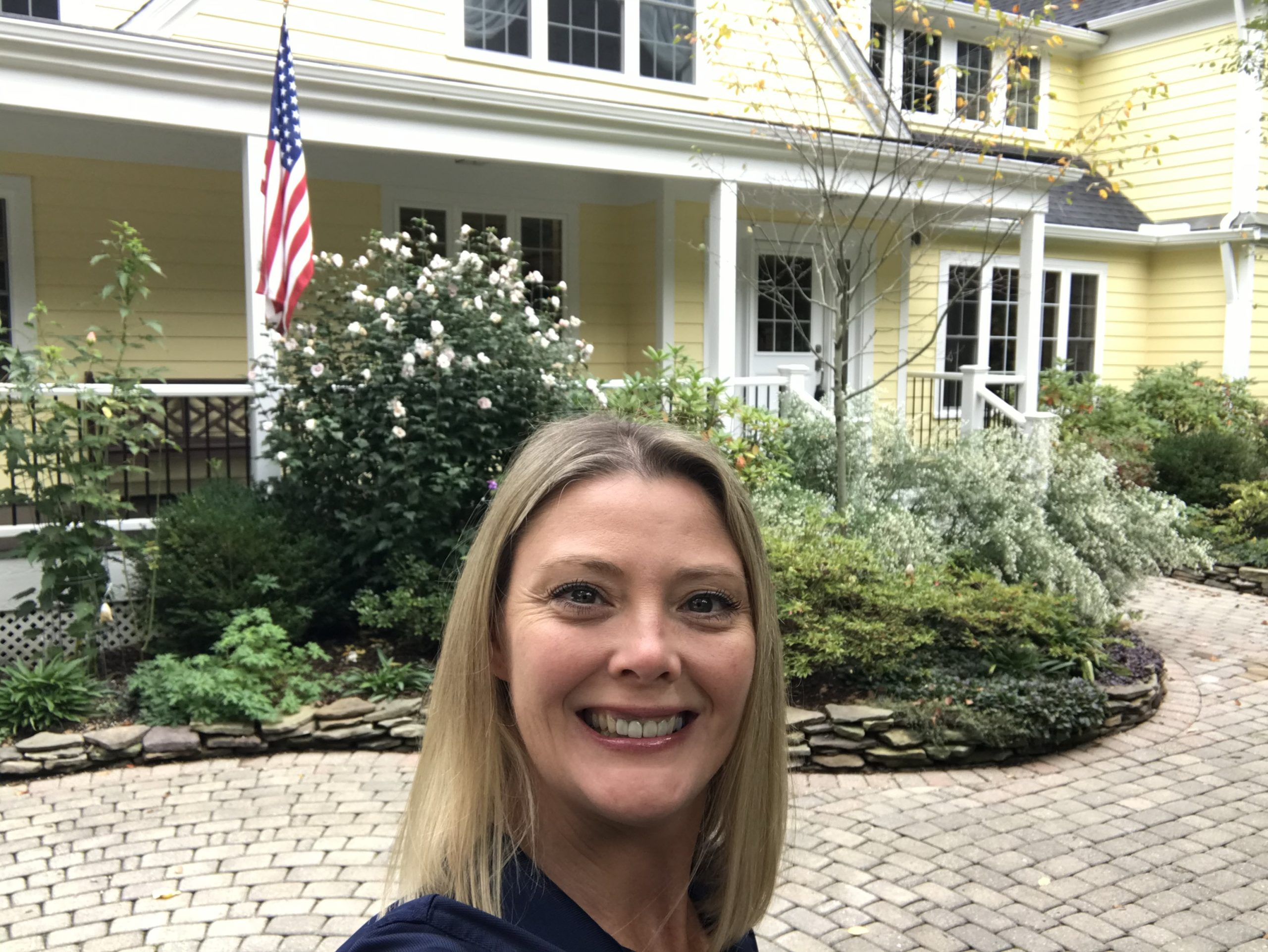 There are some gorgeous homes on the market in the #CLE! It was great to meet some new agents for Green Leaf Home Inspections, LLC while on tour today. Who's representing you?