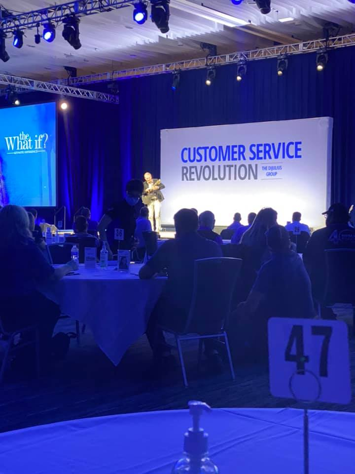 Day 1 at the 2021 CSRev was a success! This Brand Ambassador continued to connect for Milia Marketing with attendees from all over North America and virtually all over the world! How strong is your customer service?