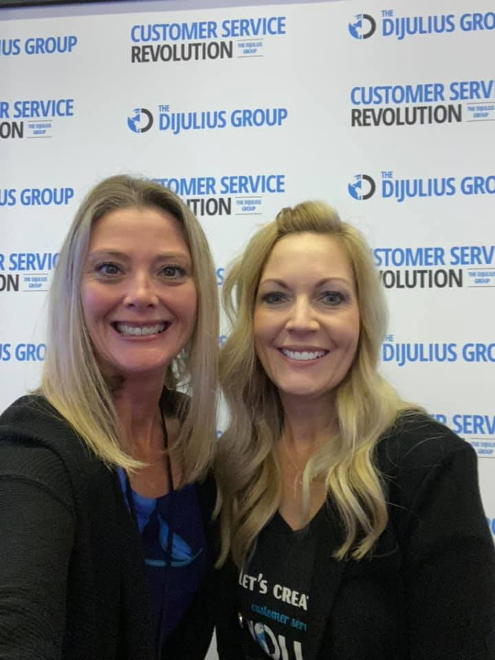 It was the last day for the 2021 Customer Service Revolution representing Milia Marketing. This Brand Ambassador not only connected for MM, but also had the opportunity to listen to some amazing speakers to learn more about delivering a better customer experience. Is your customer experience strong? #CXStrong
